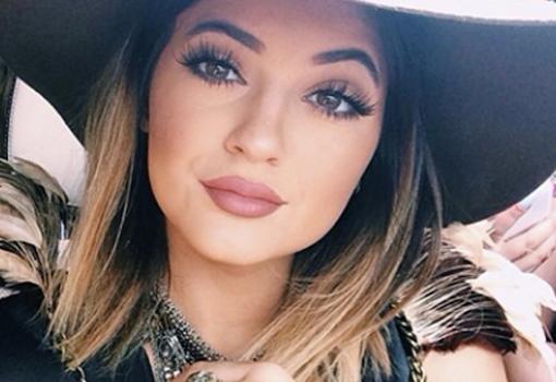 Kylie-Jenner-buze-625x350