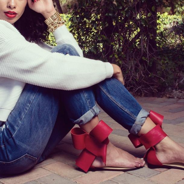 flat bow sandal