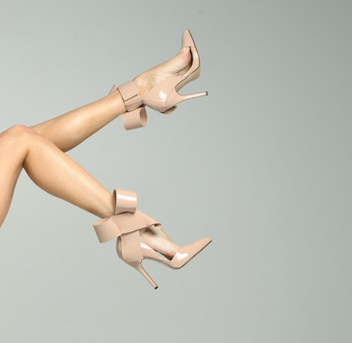 nude bow sandal
