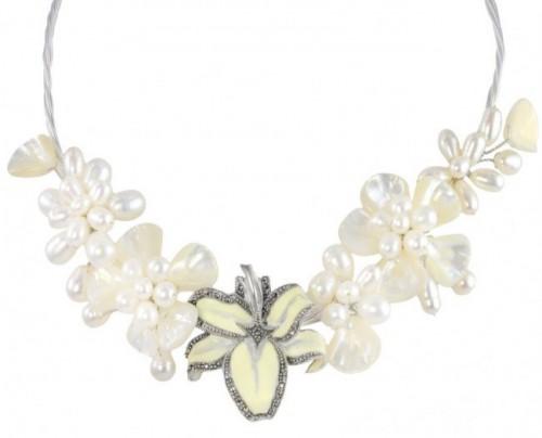 pearl-collar