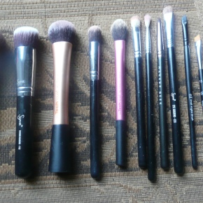 My Top 12 Most Used Makeup Brushes