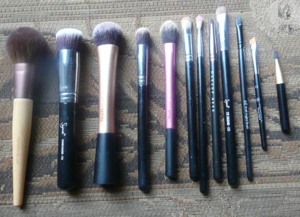 Top 12 Makeup Brushes