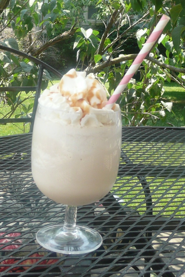 caramel hazelnut coffee frappe